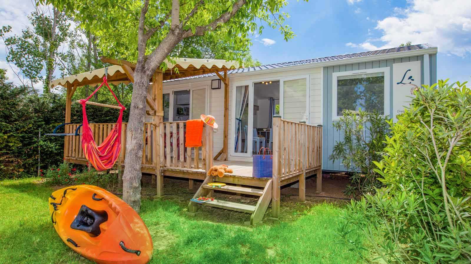 Camping sud ard che 4 stars indoor and heated pool for Camping ardeche ruoms avec piscine